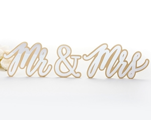 View of a Mr & Mrs Gold Table Sign.