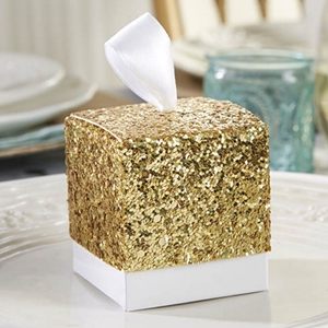 Picture of a Glittery Gold Favor Box.