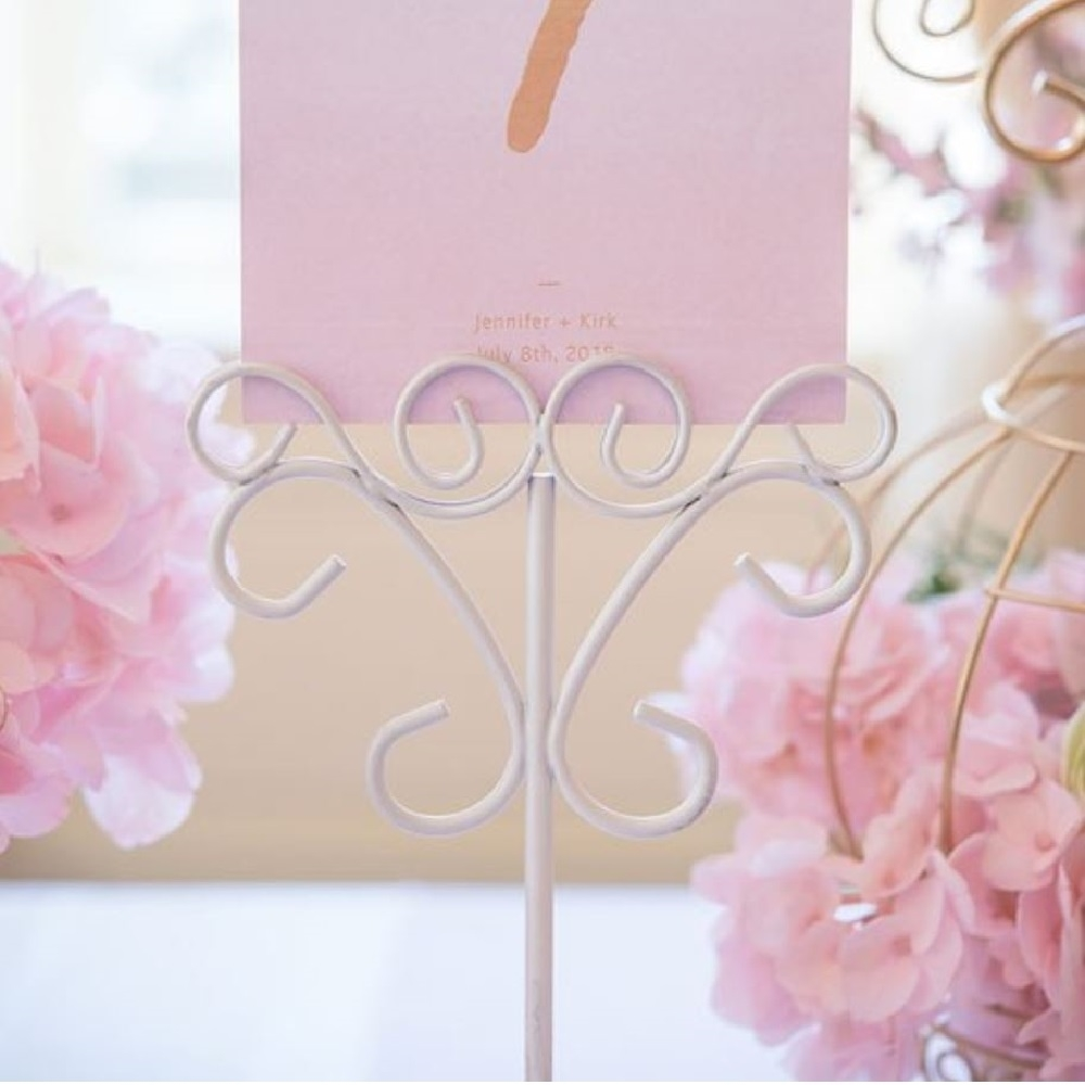 Picture of a White Decor Stationery Holder with a squared card.